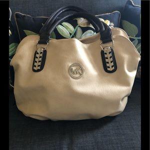 MK slouch shoulder bag!